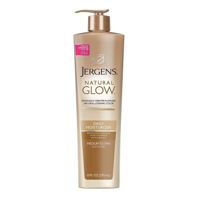 Jergens Natural Glow Daily Moisturizer provides deep action after tanning
